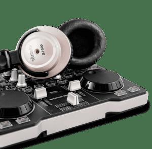 headphones-and-dj-mixer